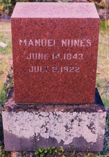 Nunes' gravestone in Honolulu, 1997