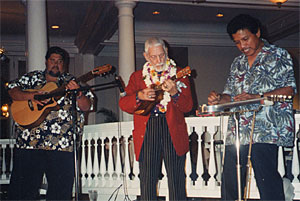 Bill Tapia performs at the Moana Hotel